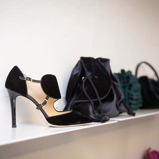 Focus on shoes... and bags! A real velvet passion for Chiara Boni @lapetiterobemi!